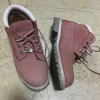 Authentic Timberland pink waterproof boots size 7.5 for Women