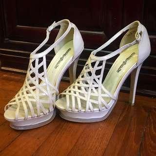 Classy Beige / Pink High Heels 😍