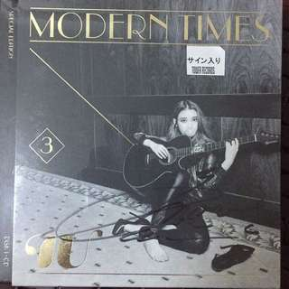 IU MODERN TIMES 親筆簽名專輯(CD+DVD)