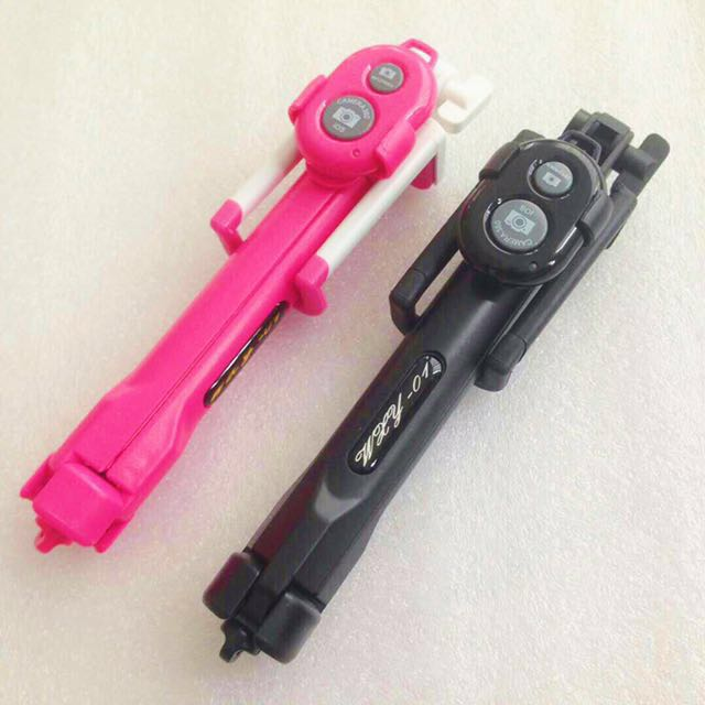 3 IN 1 MONOPOD WITH BLUETOOTH SHUTTER