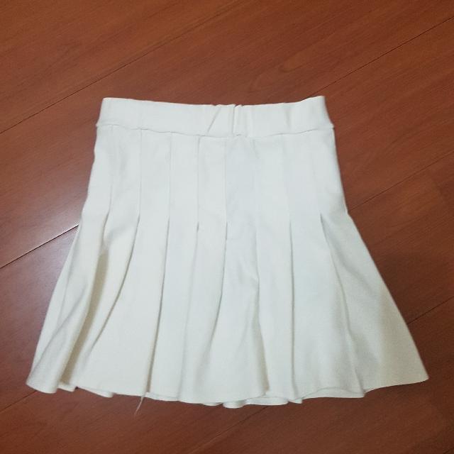 白色百褶裙🌸#交換最划算 #夏日九九出清