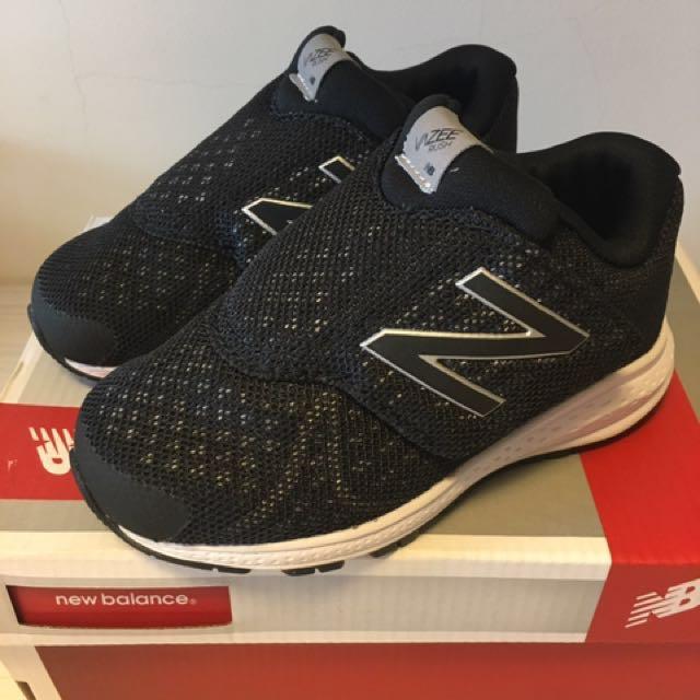 全新正版 New balance 13.5公分  黑色童鞋 男女皆可