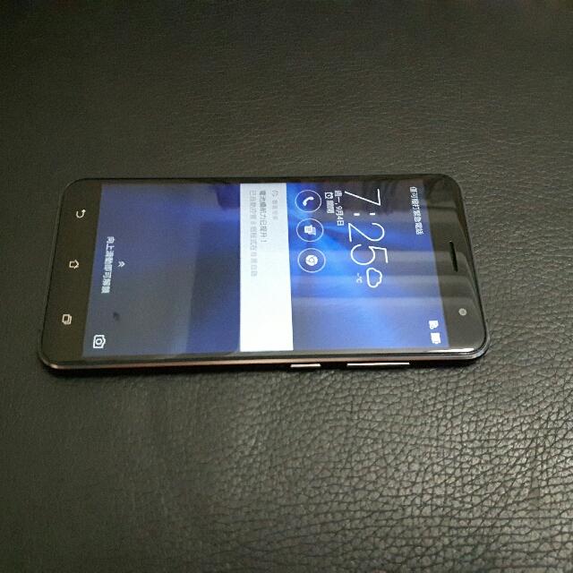 ASUS Z012DA  5.5吋 4G LTE 64GB 雙卡