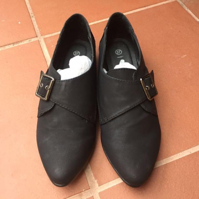 Black Shoes (I ❤️Billy), size 6