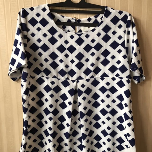 blouse this is april blue-white