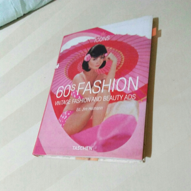 Buku 60s Fashion