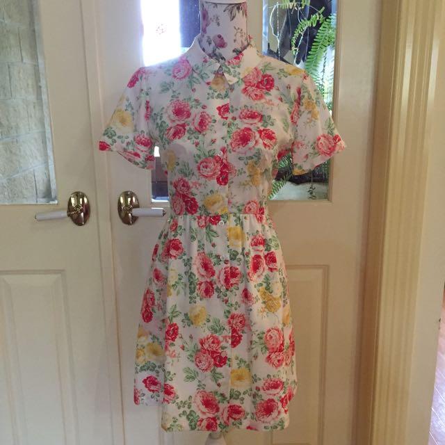 Button up Floral Miss Shop Dress