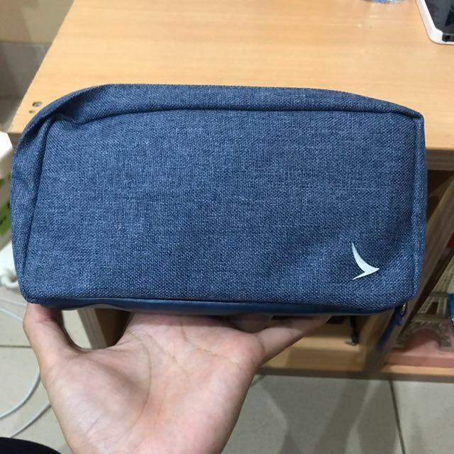 Cathay Pacific Travel Pouch