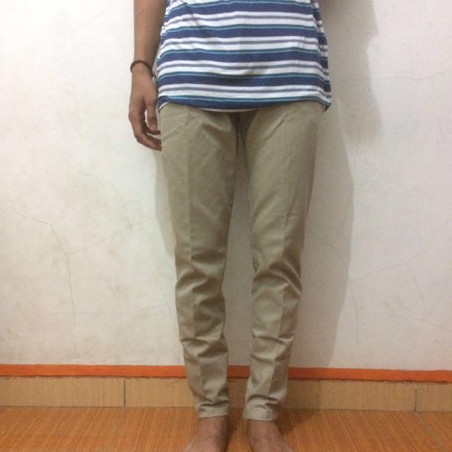 Celana Panjang Chino Khaki