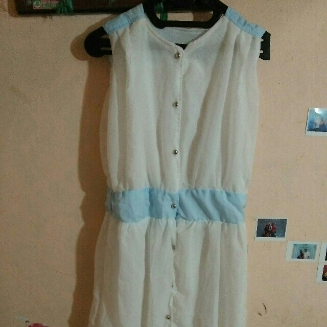 Dress putih panjang / white long dress