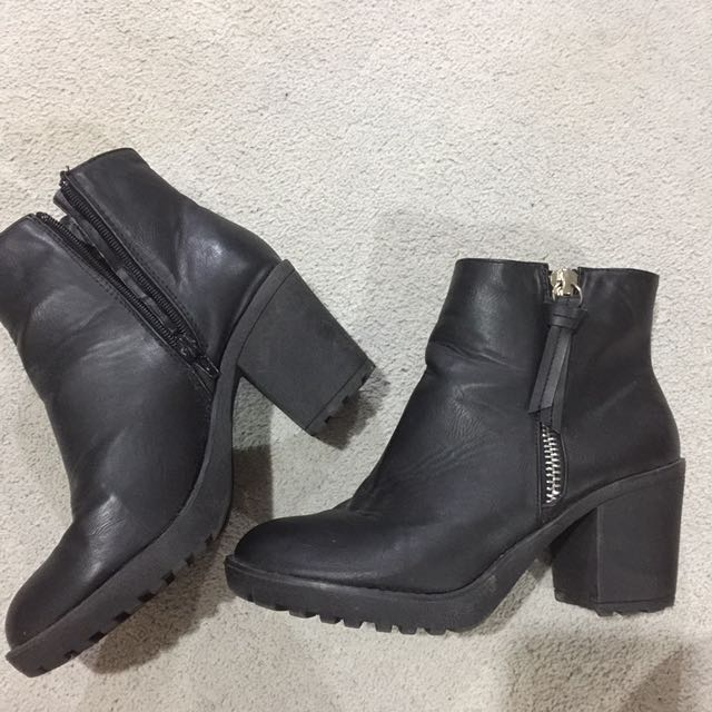 Factorie Booties Size 39