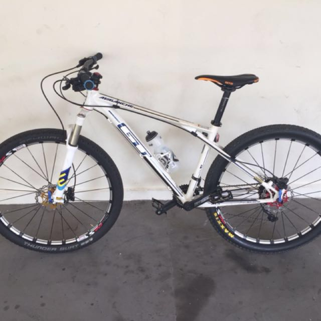 GT Avalanche Mountain Bike, Bicycles & PMDs, Bicycles on Carousell