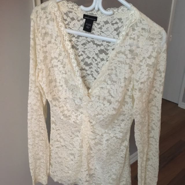 Lace top front knot