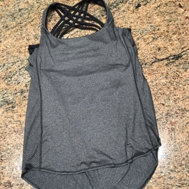 Lululemon Can Size 8 Tank with built in Bra