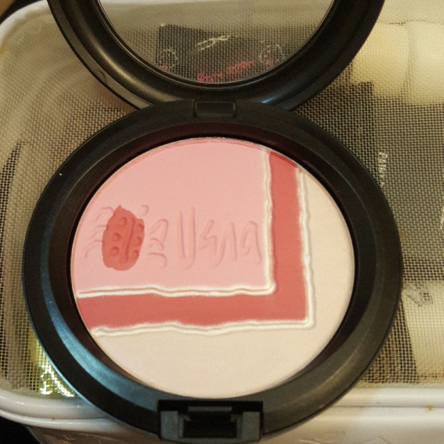 MAC SUNDAY AFTERNOON FACE POWDER LIMITED EDITION