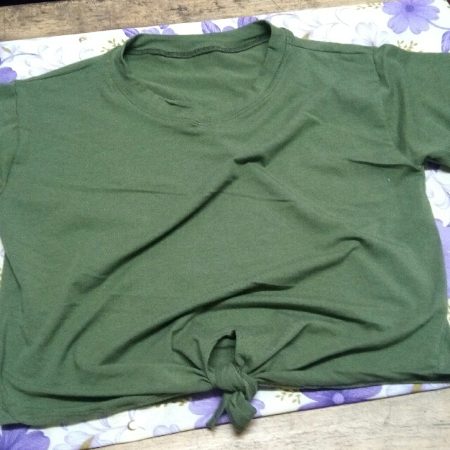 NAVY GREEN CROP TOP WITH KNOT