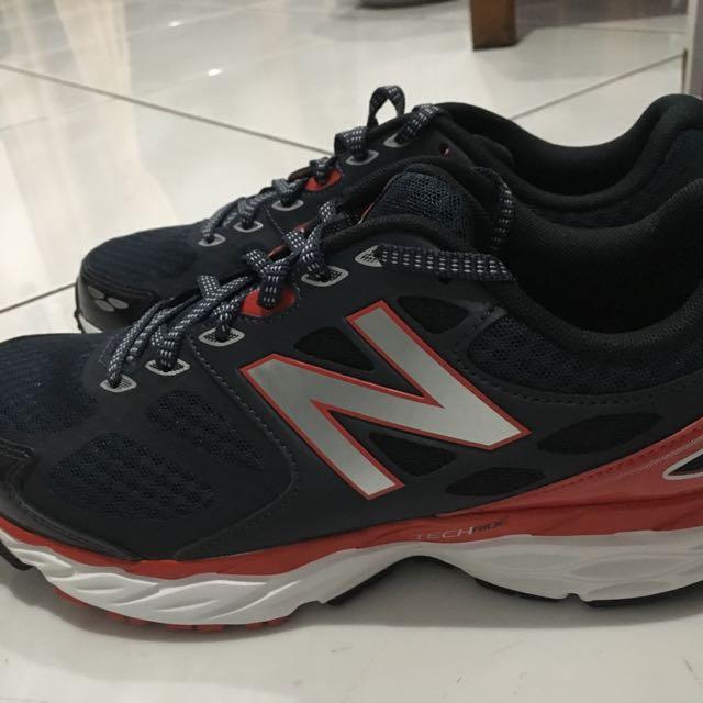 New Balance Running Shoes sz 8 Navy Blue - NEW