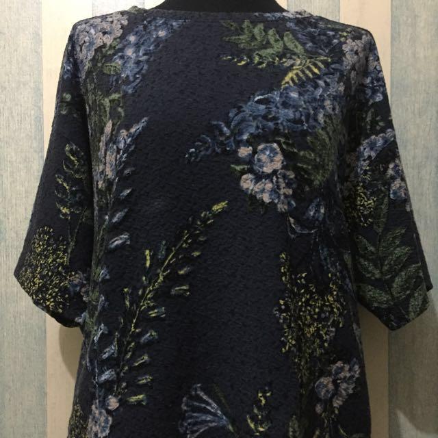 [NEW] H&M: Dark Flowery Batwing Tees L