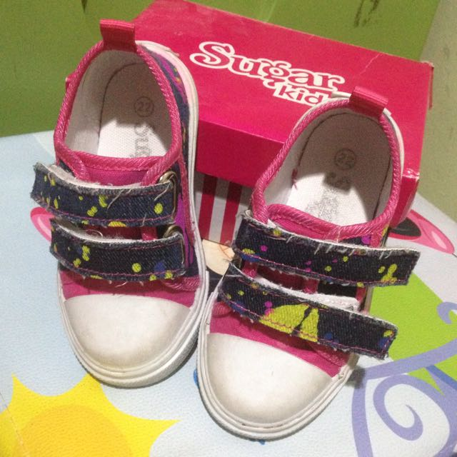 Preloved toddler sneakers