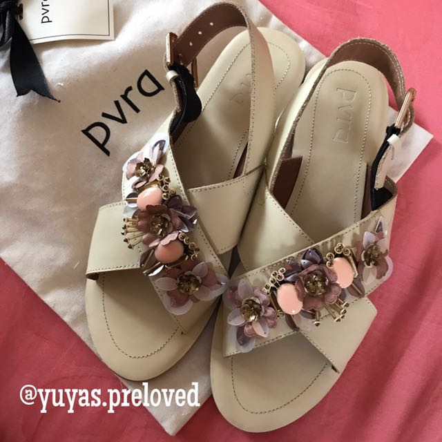 PVRA CAVVA IVORY size 38 (bukan yang heels)