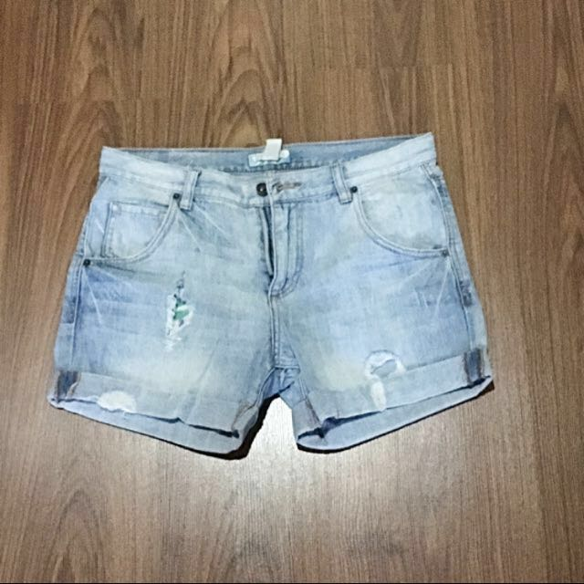‼️SALE‼️ Forever 21 distressed shorts
