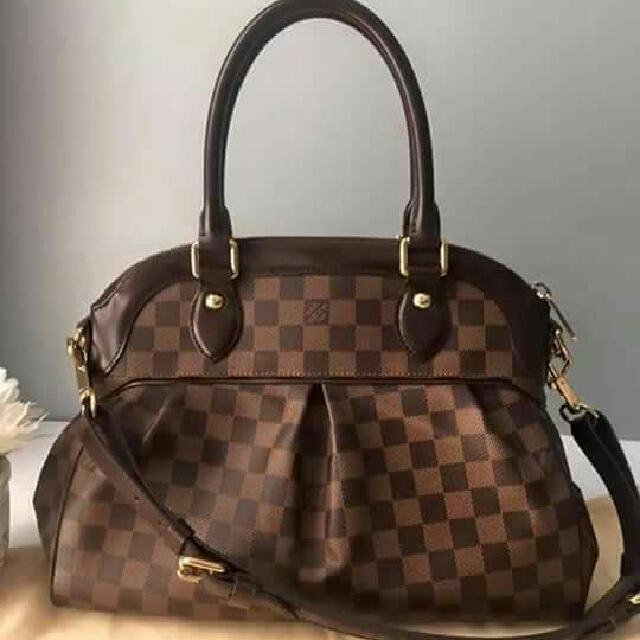 Sling LV Bag, Women s Fashion, Bags   Wallets on Carousell fc55fa9259