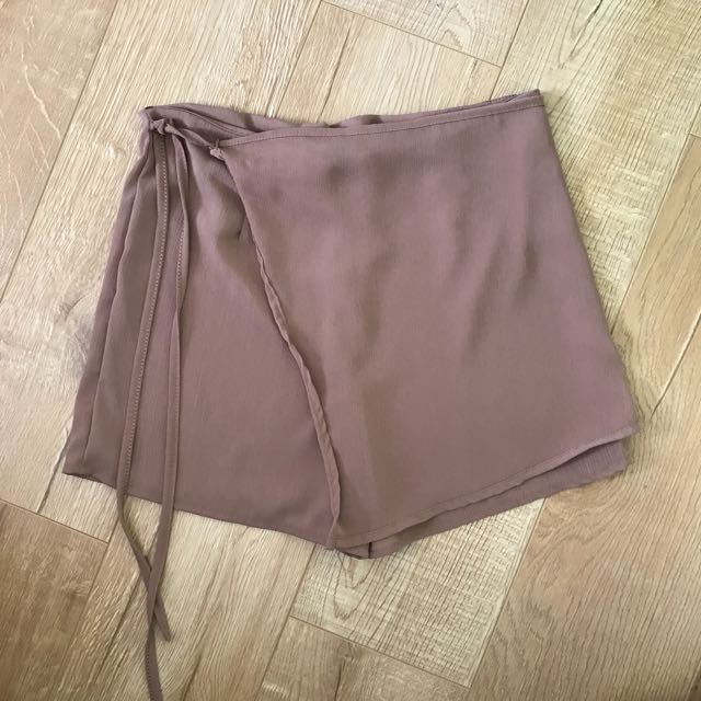 Tan skort/skirt size 8