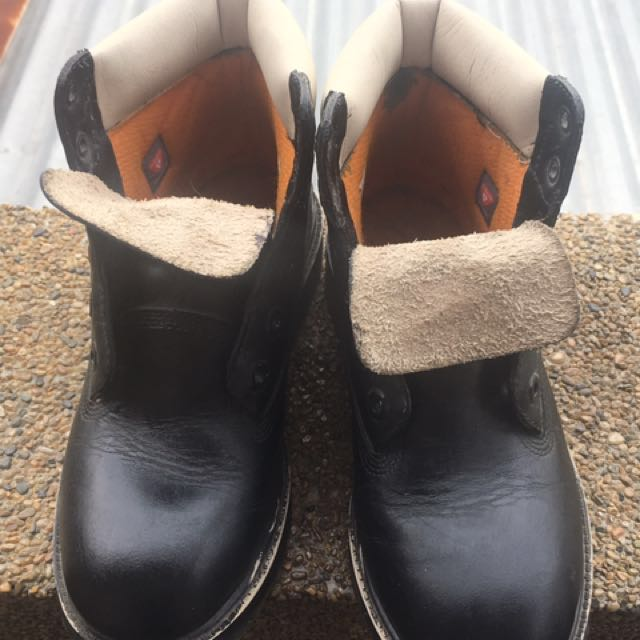 Timberland Boots (Eur37) (originally white but was dyed black by MR Quickie)