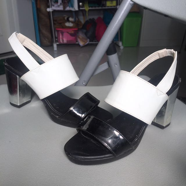 Uniqlo Ankle Heels Sandals