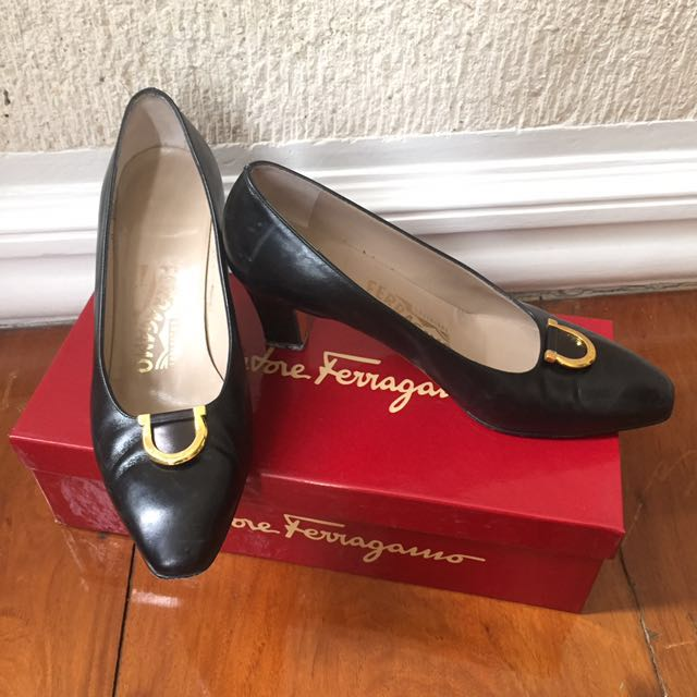 Vintage Salvatore Ferragamo Black Leather Shoes