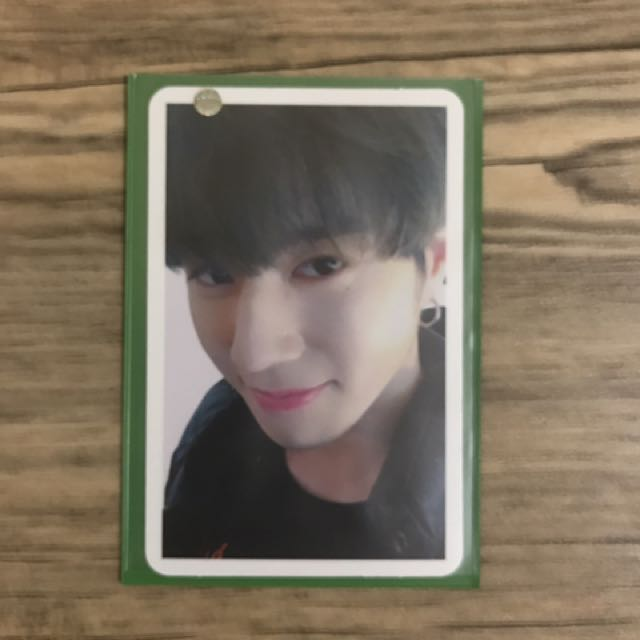 Yugyeom Arrival Selfie PC
