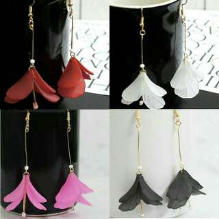 Anting Akrilik