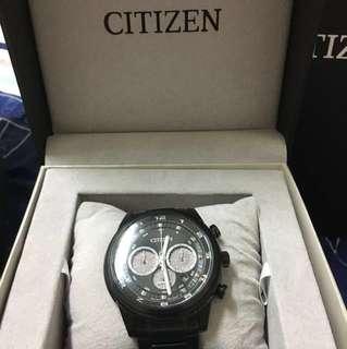 星辰三眼鋼錶,生日禮物但沒有帶表習慣,所以便宜賣,不到一個月