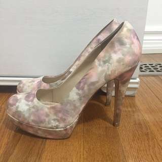 LE CHATEAU WATERCOLOUR HEELS