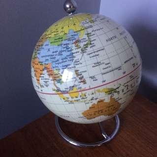 Mini desk Globe