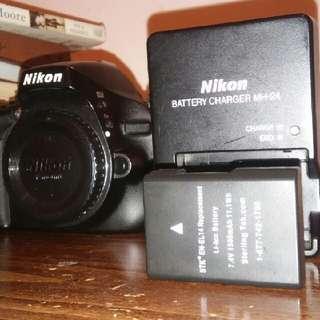 Nikon D5100 DSLR Camera (+ Accessories)