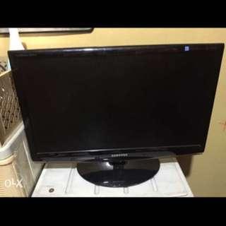 S > Samsung Syncmaster 2333 HD TV 23inch Lcd tv