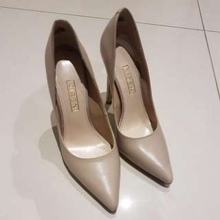 Siren Genuine Leather Nude Anabelle Heels Size 5