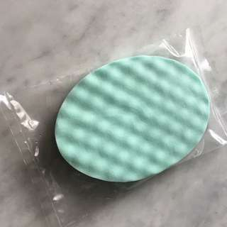 Evanescence New York whitening face sponge