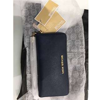 MICHAEL KORS NAVY CONTINENTAL WALLET