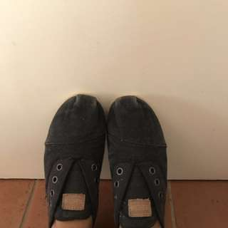 Toms Shoes FREE