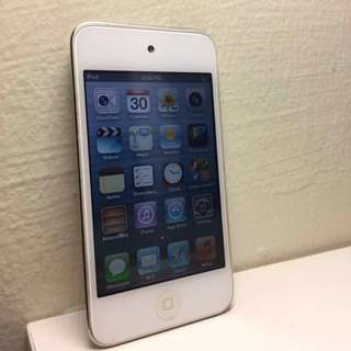 iPod 4th Gen (32gb)