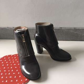 USED ONCE ZALORA GREY ANKLE BOOTS