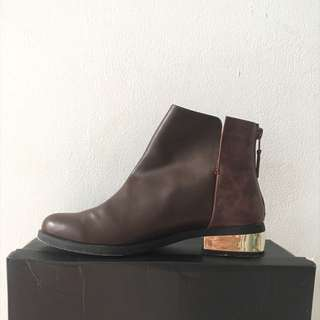 USED ONCE ZALORA LEATHER ANKLE BOOTS WITH GOLD HEELS