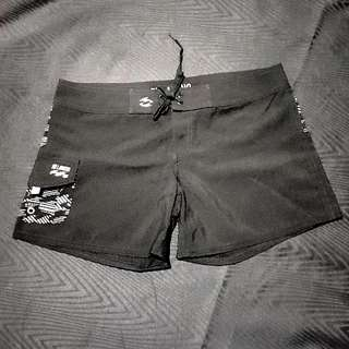 BILLABONG Ladies Boardshorts 🆕️