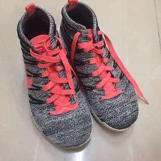 Nike Flyknit Chukka 螢光橘 灰白黑針織中筒