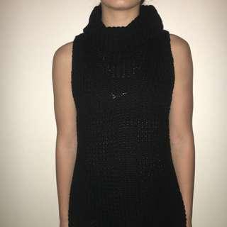 Black turtleneck singlet sweater