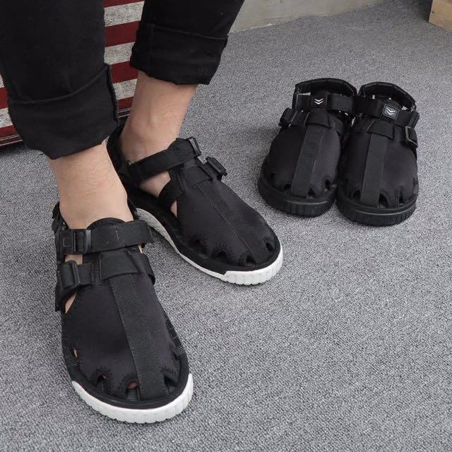 夏季包頭情侶涼鞋男士個性戶外休閒運動防滑厚底大碼潮韓版沙灘鞋
