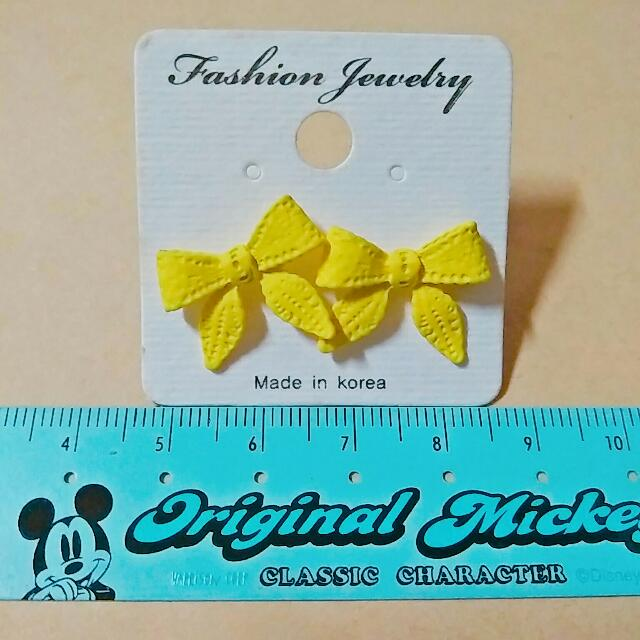 黃色蝴蝶結耳環