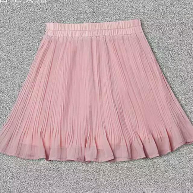 粉色百褶雪紡裙